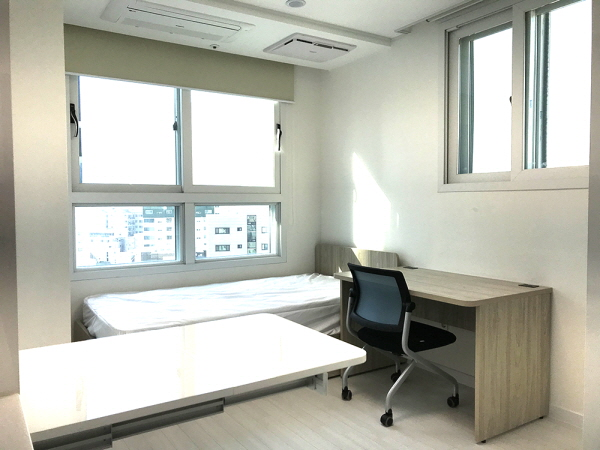 독산동 기숙사형 청년주택 내부.