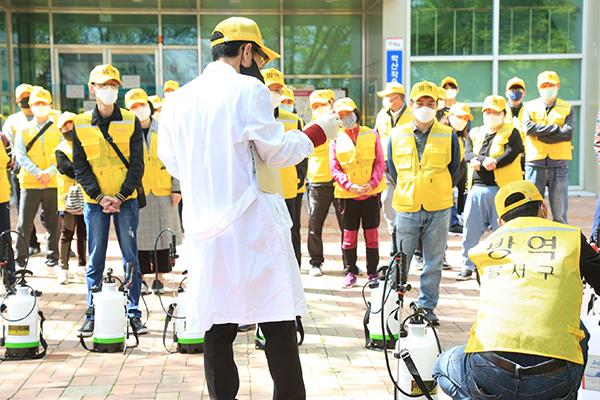 코로나19 극복 생활방역단을 운영하고 있는 대구광역시. (사진=보건복지부 제공)