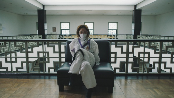 방호복을 입은 리아킴 모습.