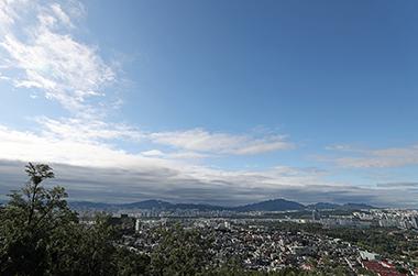 매년 9월 7일은 '푸른 하늘의 날'…국가기념일 지정