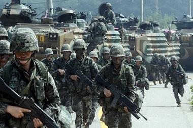2025년까지 국방비 301조 투입…경함모 도입·병장 월급 96만원