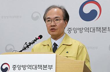 """방역당국 """"집중호우 틈새로 코로나19 확산 증가 우려"""""""