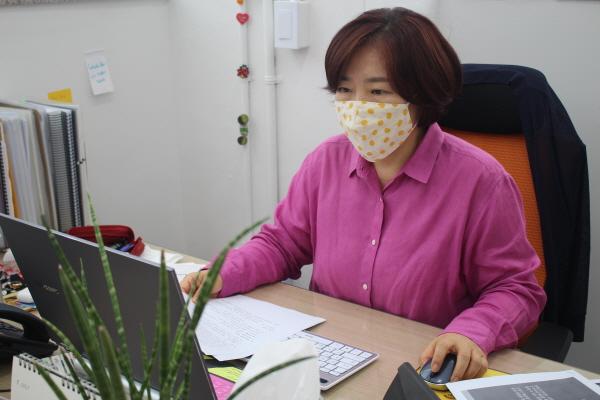 동작구 어르신행복주식회사 박은하 대표.