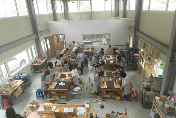 서흥초등학교는 지역사회와 연계해 학교 공간혁신을 통해 '뚝딱뚝딱 서흥 공방'을 설치했다.