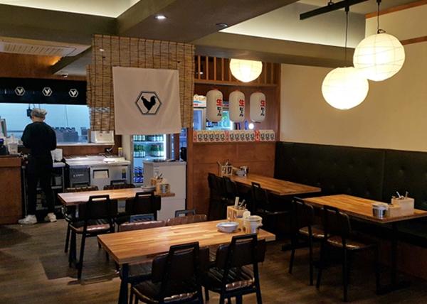 카페, 음식점 등은 9월 6일까지 밤 9시 이후 포장과 배달만 가능하다.