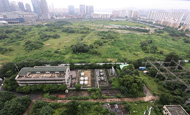국토교통부는 내년 7월 이후 실시될 공공분양주택 6만가구에 대한 사전청약 실시계획을 8일 발표했다. 사진은 서울 용산 정비창 일대 모습. (사진=저작권자(c) 연합뉴스, 무단 전재-재배포 금지)