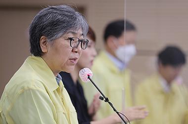 """""""국가 인플루엔자 예방접종, 품질 확인될 때까지 일시중단"""""""