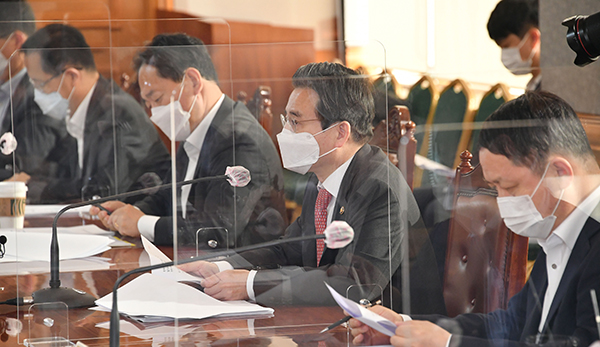 김용범 기획재정부 1차관이 24일 서울 은행회관에서 거시경제금융회의를 개최하며 모두발언을 하고 있다. (사진=기획재정부)