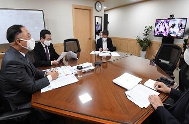 """홍 부총리 """"정책형 뉴딜펀드, 40개 분야 197개 품목 투자"""""""