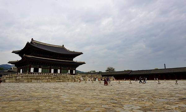 광활한 궁궐과 넓은 인터넷 세상은 의외로 닮아 보인다. 광활한 궁궐과 넓은 인터넷 세상은 의외로 닮아 보인다.