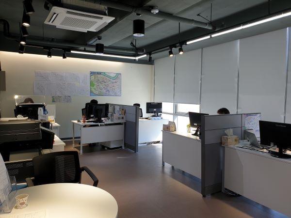 사무실에 컨설턴트가 상주하고 있어서 방문해서 컨설팅받을 수 있다.