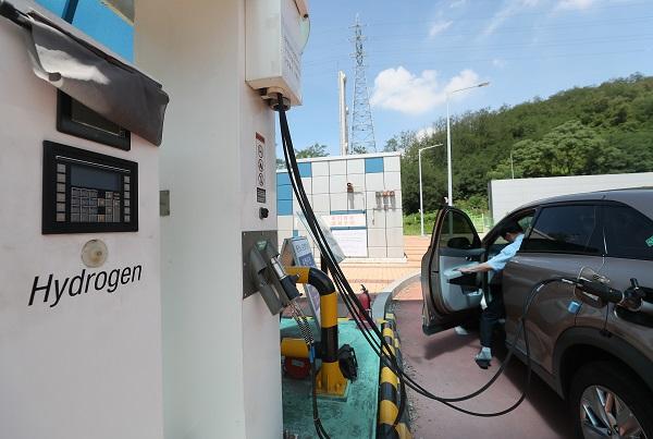 그린벨트 내 화물차·전세버스 차고지에도 수소충전소 설치 가능