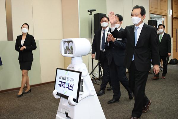 """""""2023년 글로벌 4대 로봇강국 진입""""…내년 예산 1944억원 투입"""