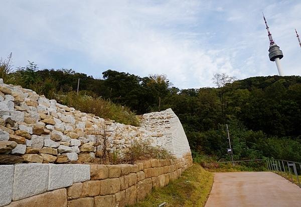 보이지 않는 곳에서 묵묵히 일해 준 사람들이 있어서 오늘이 있다고 생각한다. 돌이 모여 성벽을 쌓 듯.