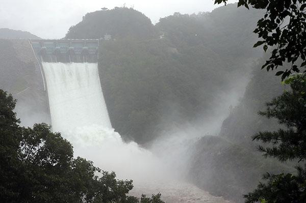 댐·하천 500년 만의 폭우도 견디도록 설계…댐 방류 이틀 전 예고