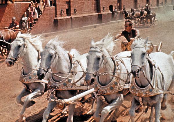 윌리엄 와일러 감독의 70mm 대 서사극인 <벤허>의 한 장면. (영화 스틸=한국영화데이터베이스 http://www.kmdb.or.kr)