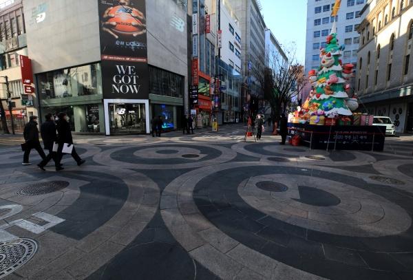 15일, 한산한 서울 명동거리 모습.(사진=저작권자(c) 뉴스1, 무단 전재-재배포 금지)