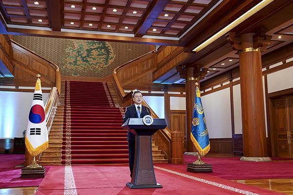 문재인 대통령이 11일 청와대에서 신년사를 하고 있다. (사진=청와대)
