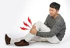 골수염으로 아파하는 남자.