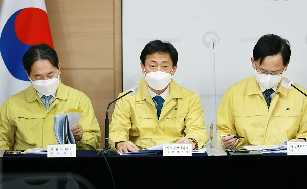 박기영 산업통상자원부 통상차관보가 13일 정부서울청사 합동브리핑룸에서 K-뉴딜 글로벌화 전략 관련 브리핑을 하고 있다. (사진=산업통상자원부)