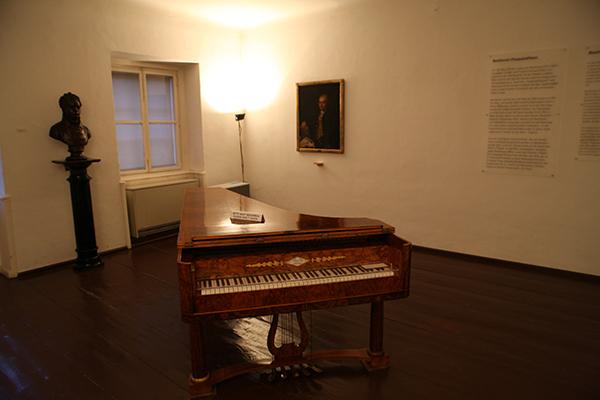 - 오스트리아 빈의 베토벤 생가 내부.