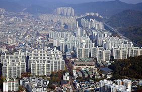 하늘에서 내려다 본 공동주택 밀집지역의 모습.