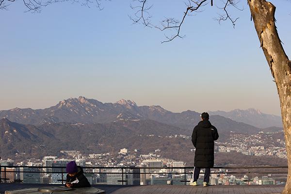 지난 1월 19일 오후 서울 남산에서 바라본 서울 하늘이 미세먼지 없이 청명하다.(사진=저작권자 (c) 연합뉴스. 무단전재-재배포금지)