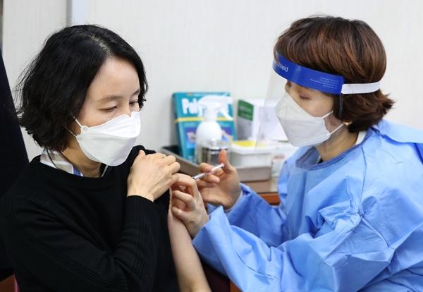 코로나19 백신 접종