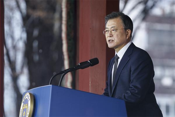 문재인 대통령이 1일 오전 서울 종로구 탑골공원에서 열린 제102주년 3·1절 기념식에서 기념사를 하고 있다 (사진=청와대)