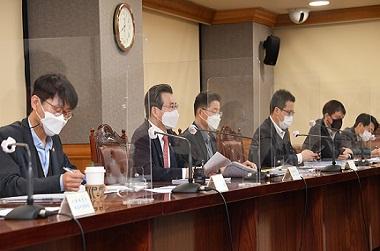 김용범 기획재정부 차관이 9일 서울 중구 은행회관에서 열린 '거시경제 금융회의'를 주재, 모두발언을 하고 있다. (사진=기획재정부)