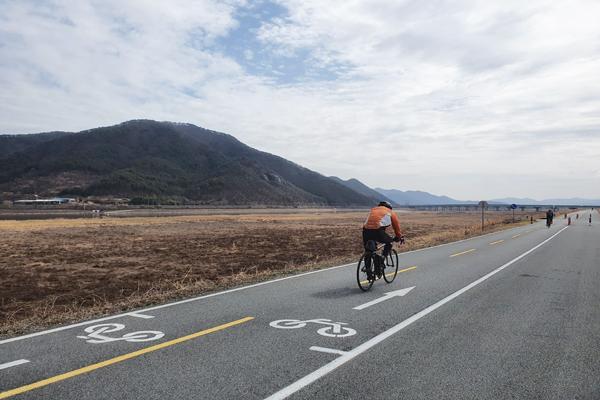 자전거 전용도로는 공원이나 하천변에 설치돼 있어 정확한 위치 설명이 어려웠다.