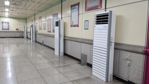 도시철도 안에는 공기청정기를 가동해 공기의 질을 관리하고 있다.