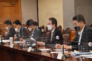 김용범 기획재정부 차관이 23일 서울 중구 은행회관에서 열린 '거시경제 금융회의'를 주재, 모두발언을 하고 있다. (사진=기획재정부)
