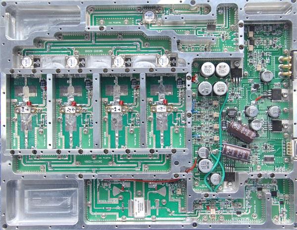 한국전자통신연구원(ETRI) 연구진이 개발한 질화갈륨 기반 전력증폭기. (사진=저작권자(c) 연합뉴스, 무단 전재-재배포 금지)