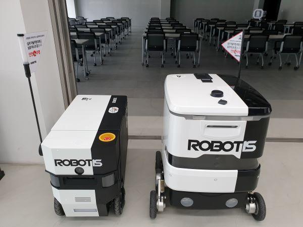 로보티즈 본사 건물 1층에서 자율주행 로봇을 만날 수 있다.