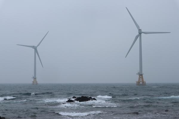 국내 재생에너지의 모범사례로 평가받고 있는 탐라해상풍력단지.