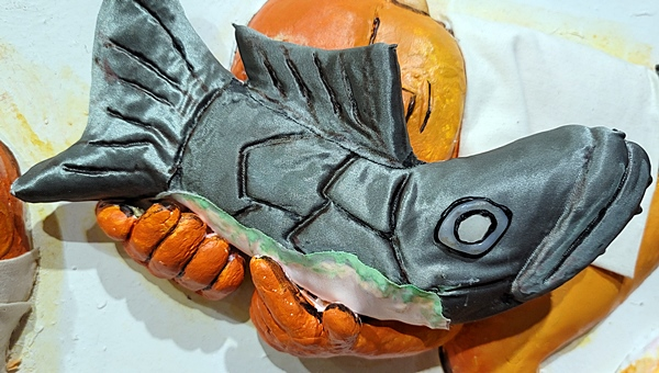 이중섭 작품 '물고기와 노는 세아이' 속 물고기 눈이 실감나게 표현됐다.