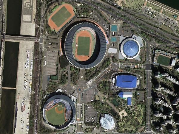 우리나라 차세대중형위성 1호가 찍은 서울 잠실 종합운동장의 위성영상 장면.