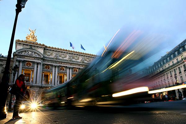 화려한 외관이 인상적인 파리의 '오페라 가르니에' 외부, 이곳의 내부에는 샤갈이 그린 천장화가 있다.