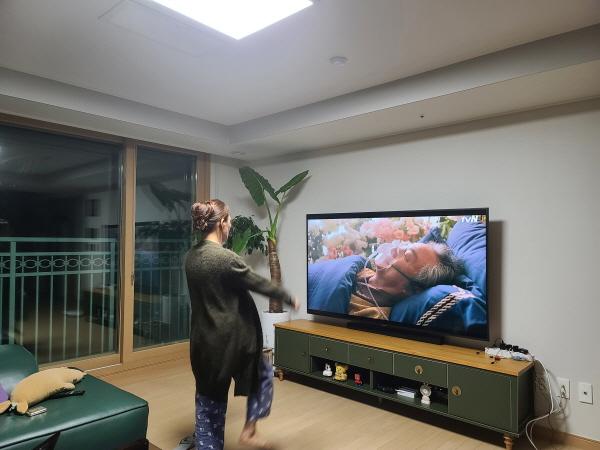 아스트라제네카 2차 접종을 앞둔 아내가 열심히 운동중이다.