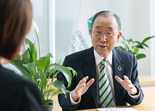 반 의장이 이번에 P4G 서울 녹색미래 정상회의에서 채택된 '서울선언문'에 대해 설명하고 있다.