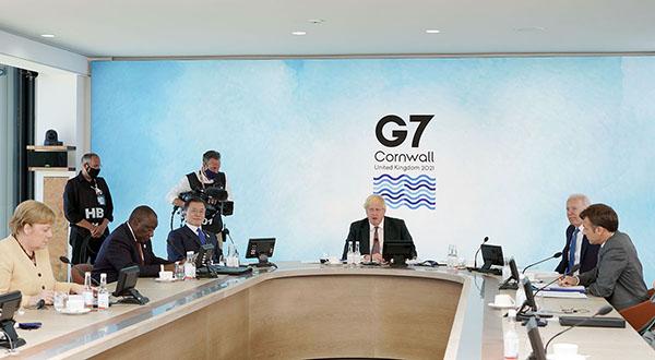 G7 정상회의 참석차 영국을 방문 중인 문재인 대통령이 13일(현지시간) 영국 콘월 카비스베이에서 열린 '기후변화 및 환경' 방안을 다룬 확대회의 3세션에 참석해 있다. (사진=청와대)