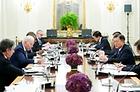 지난 5월 21일 오후(현지시간) 미국을 방문 중인 문재인 대통령이 조 바이든 미국 대통령이 참석한 가운데 백악관 국빈 만찬장에서 열린 확대회담에서 발언하고 있다.