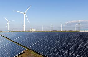 태양광 및 풍력발전 단지.