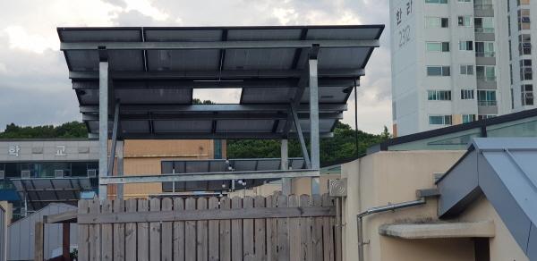 용인시 기흥구 한 주택에 설치된 태양광 발전 패널