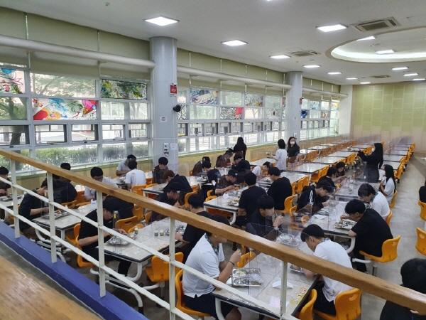 학교의 정상화는 대한민국이 일상으로 다가서는 출발점이다.
