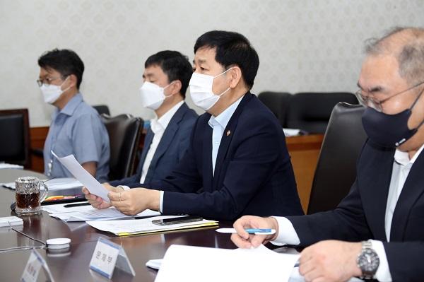 구윤철 국무조정실장이 25일 정부서울청사에서 열린 일본 후쿠시마 오염수 대응 관계차관회의를 주재하고 있다.(사진=저작권자(c) 연합뉴스, 무단 전재-재배포 금지)