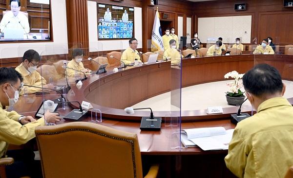 김부겸 국무총리가 31일 정부서울청사에서 열린 코로나19 중대본 회의에서 발언하고 있다.(사진=국무조정실)