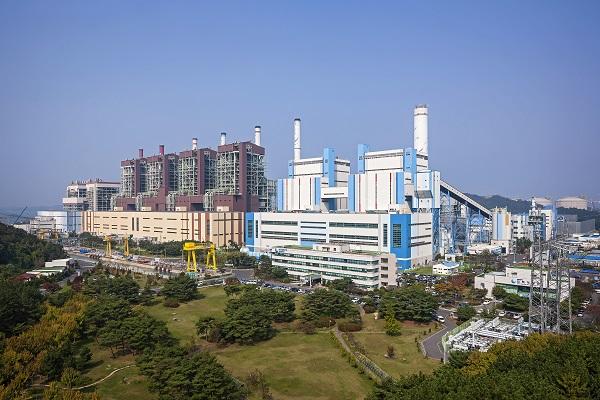 지난해 폐쇄된 보령화력발전 1.2호기 모습(사진=충남도)