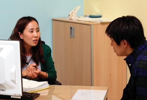 고용노동부는 청년취업 문제를 적극적으로 해결하기 위해 지난 7월부터